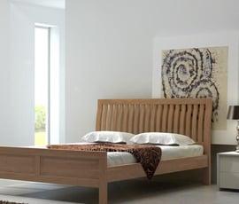 Łóżko drewnianie